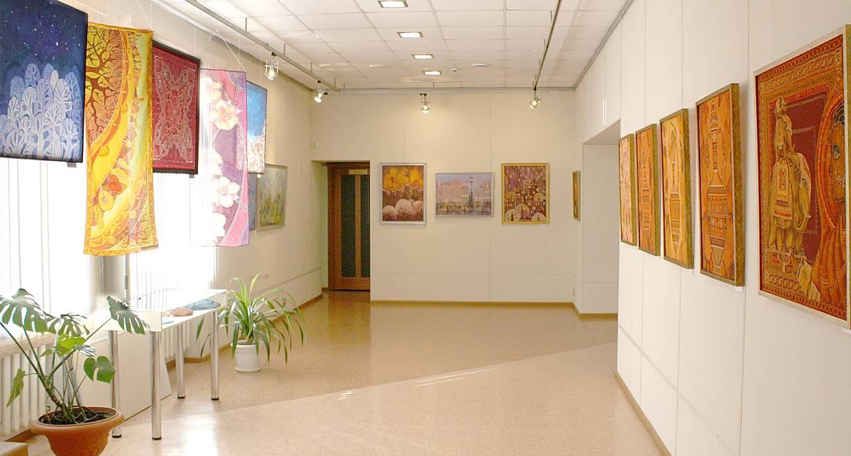 """Культурно-выставочный центр """"Вернисаж"""""""
